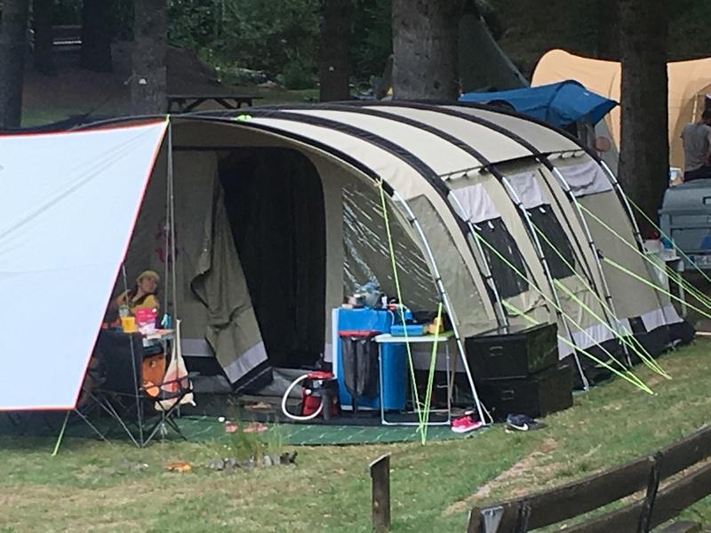 Une deuxième tente d'appoint ? Img_1010