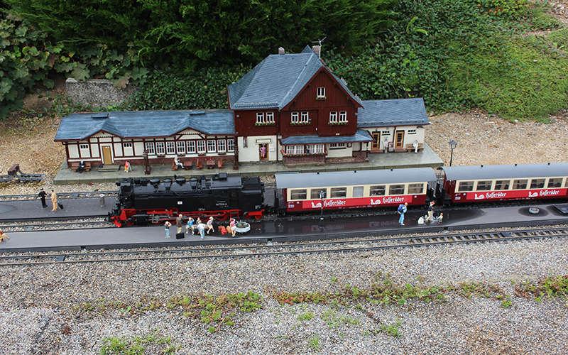 The Sims 4 - Train Station: Drei Annen Hohne Drei_a10