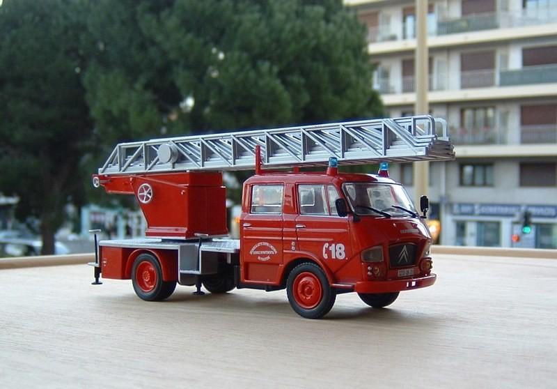 Les Plus Beaux Camions de Sapeurs-Pompiers (Hachette) - Page 2 Airbus10