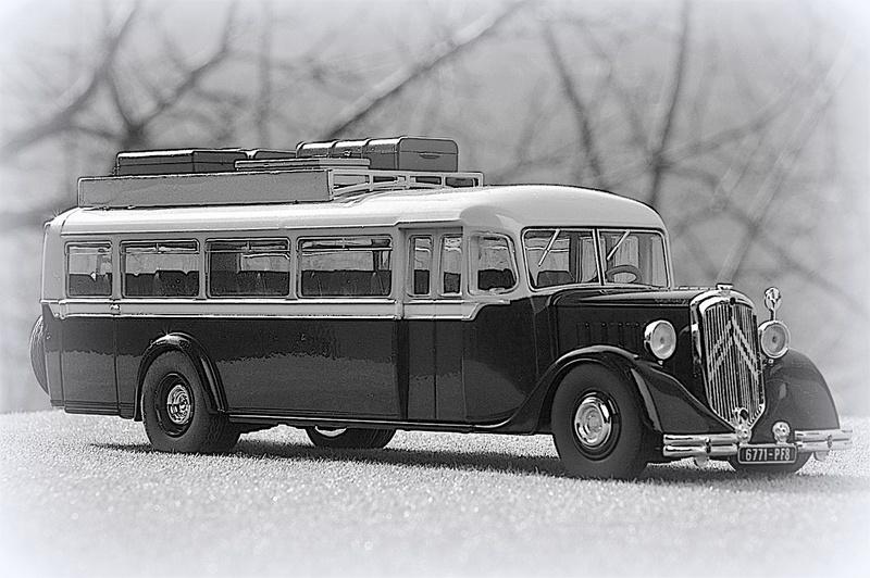 Autobus d'autrefois  Autoca12