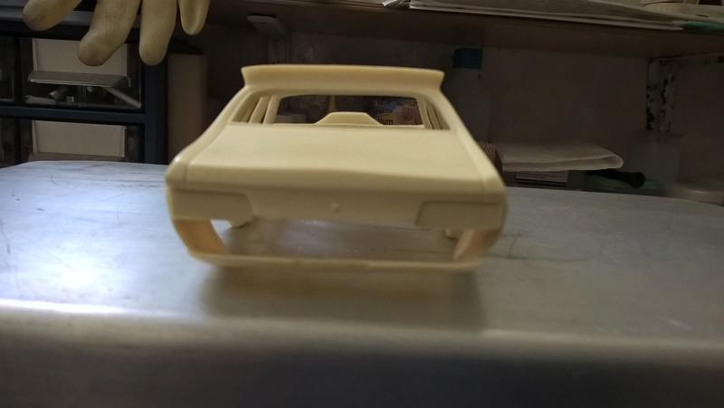 Mad Max Interceptor (jaune) Wp_20156