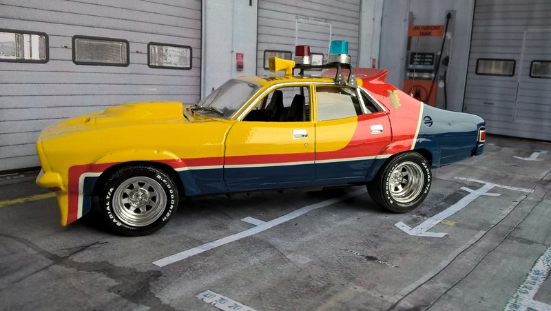 Mad Max Interceptor (jaune) Wp_20159