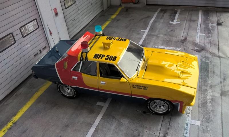 Mad Max Interceptor (jaune) Wp_20162