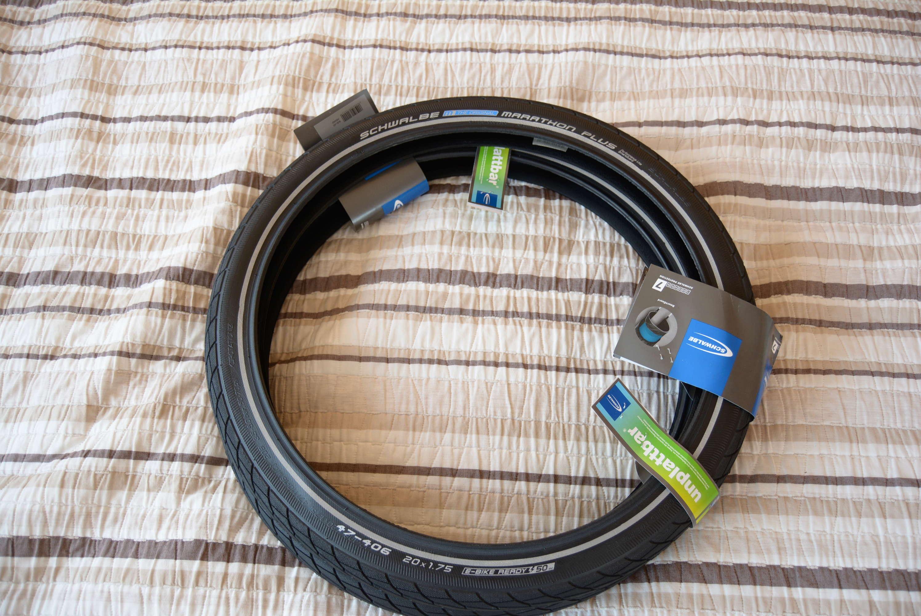 [Vendu]pneus Schwalbe Marathon plus 20 pouces Dsc_0010