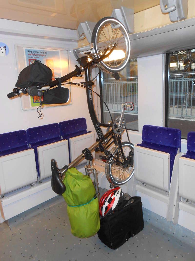 Transports vélo dans les trains entre Lyon et Macon Dscn5511
