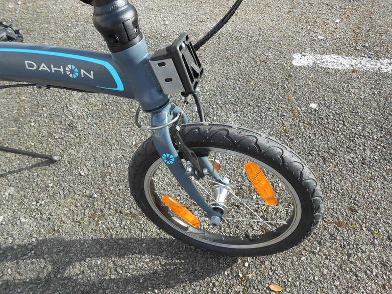 Fixer un sac frontal Brompton sur un vélo pliable d'une autre marque Dscn9423