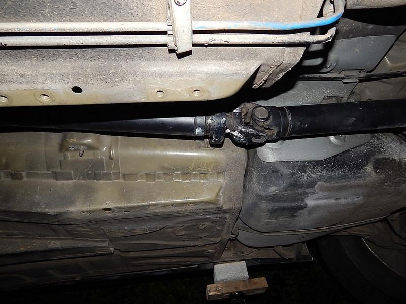 [ BMW e46 320d M47 an 2001 ] Ligne échappement touche la transmission (résolu) Dscn6329