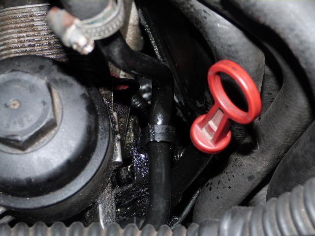 [ BMW e46 320d M47 an 1999 ] Fuite d'huile puit de jauge P1070118