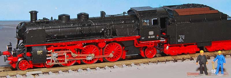 Revell 02168 - Baureihe 18.5 mit Langlauftender 1/87 - Fertig D1852810
