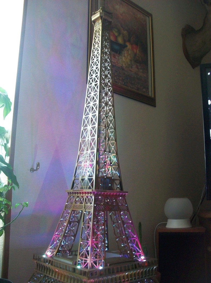 La Tour Eiffel TF1 collection 1m20/47/47cm 100_6426