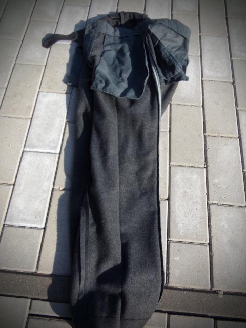 identifiaction pantalon allemand a liseret gris souris  100_0023