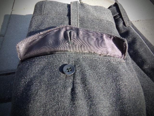 identifiaction pantalon allemand a liseret gris souris  100_0025