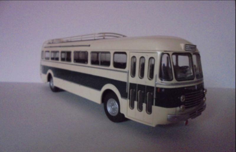 Les cars et bus miniatures Renaul11