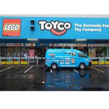 [Jeu] Association d'images - Page 4 Toyco10