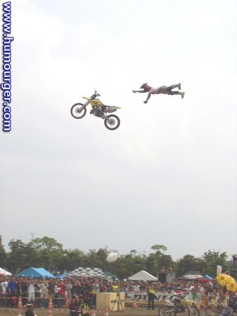 Humour en image du Forum Passion-Harley  ... - Page 5 Bv000011
