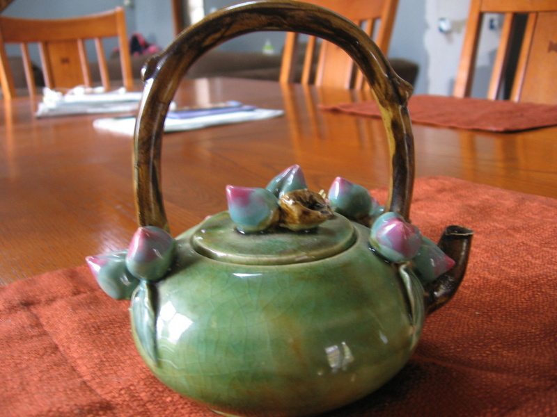 Help Identifying antique/vintage Teapot  Img_2121