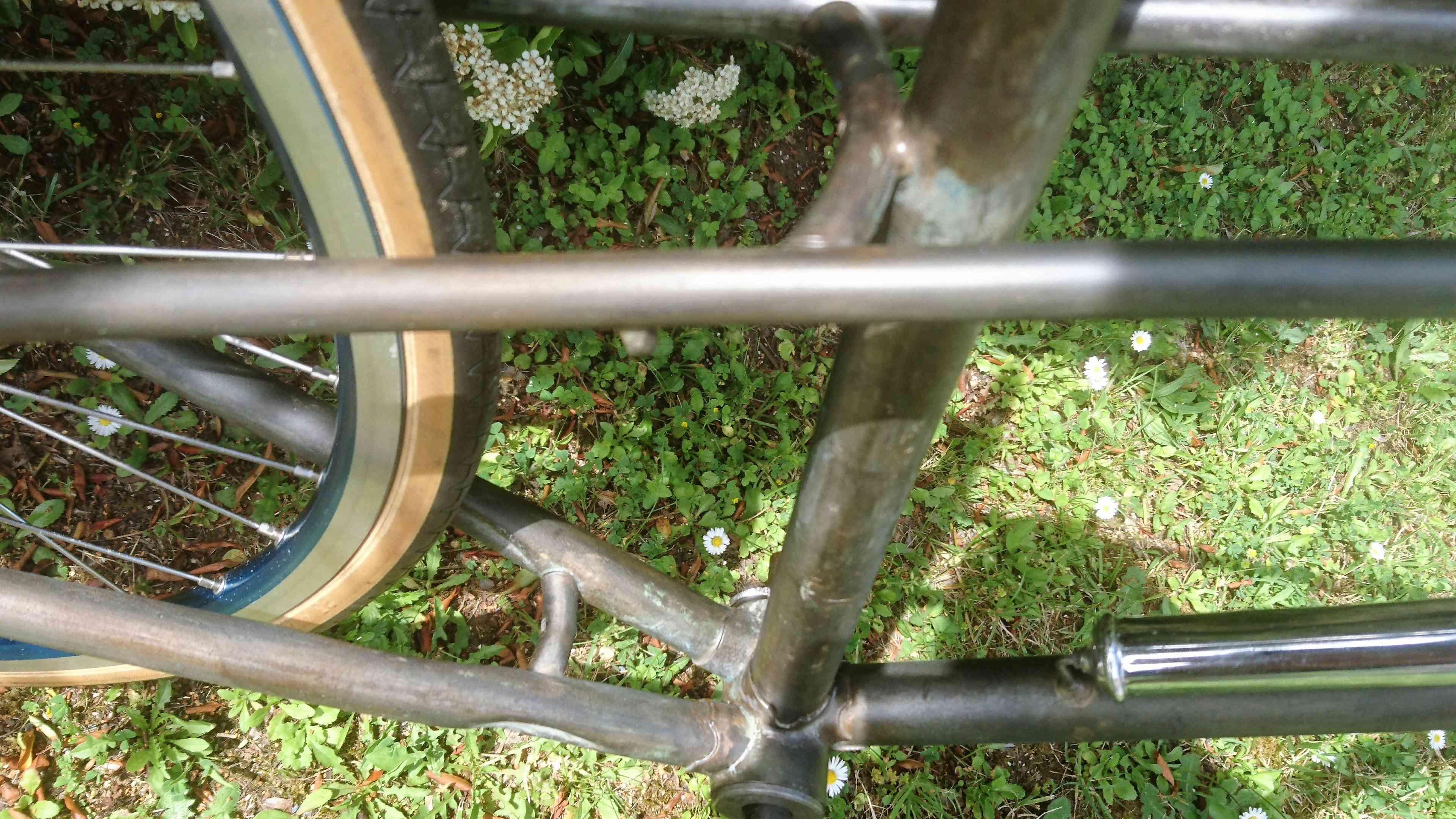 Vélo de ville femme / marque et année inconnue Dsc_9103