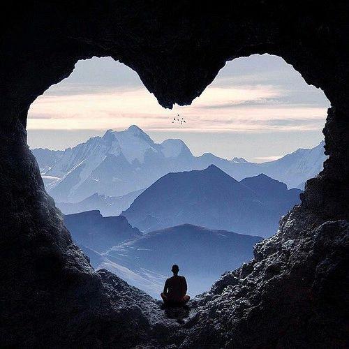 Pour la venue de l'Amour dans le monde, rendez-vous tous les dimanches soir 20 heures.  - Page 29 Roche_10