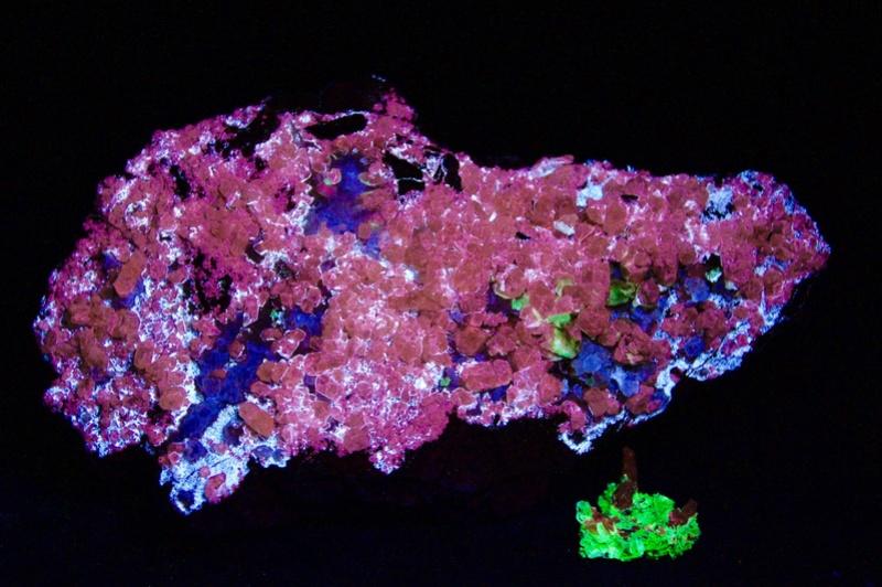 Fotos de minerales fluorescentes Fullsi36
