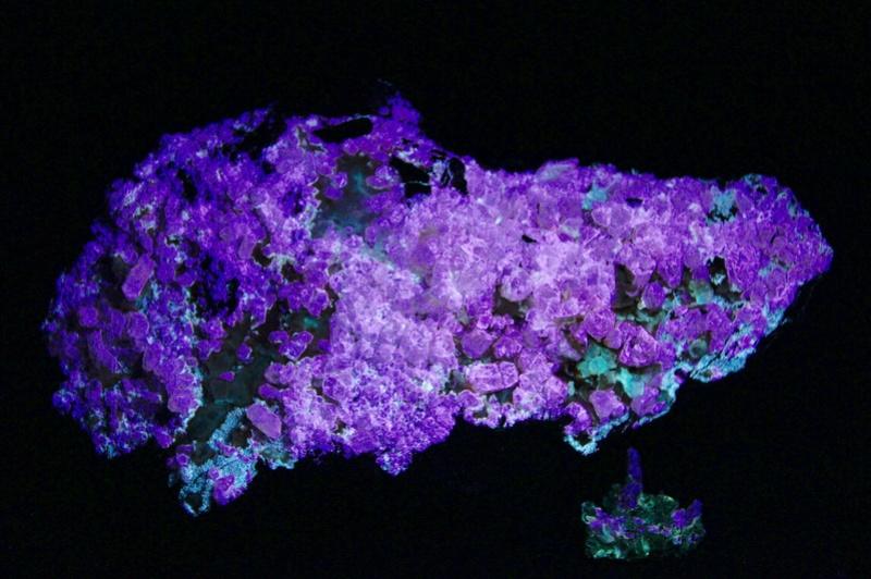 Fotos de minerales fluorescentes Fullsi38