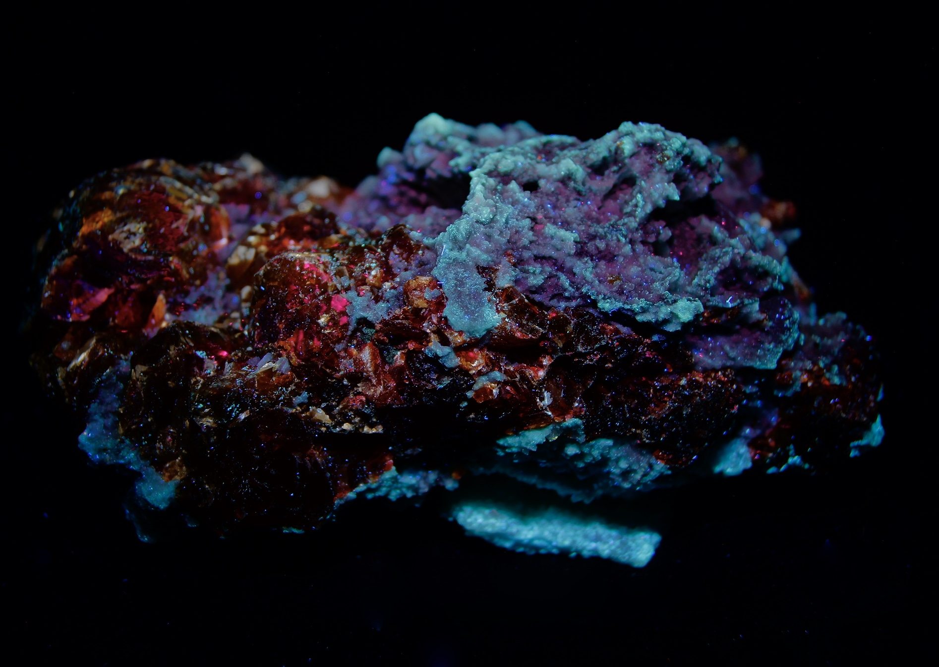 Colección de Minerales Fluorescentes - Página 5 Fullsi57