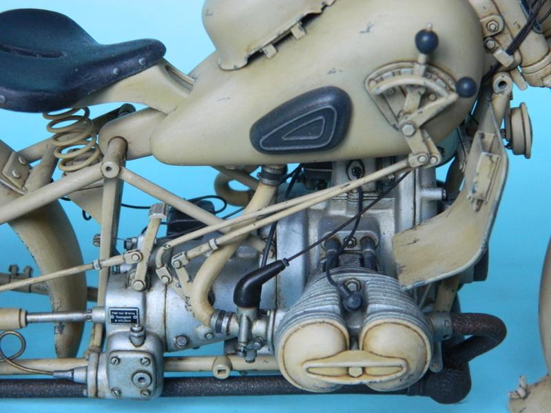 BMW R75 D.A.K. Italeri 1/9. Ende. - Page 3 16411