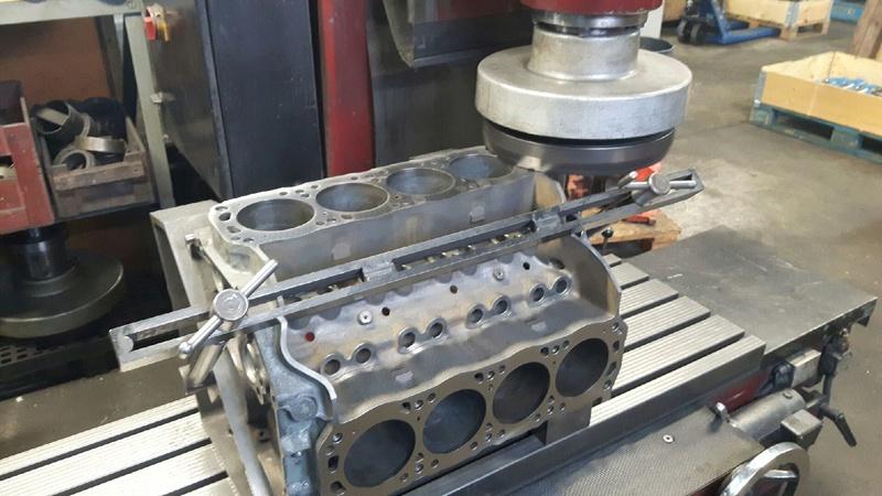 Motorrenovering - 351w Resize10