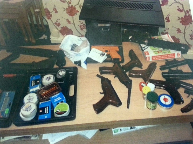 Photo's of mass murderer's weapons Barryw10