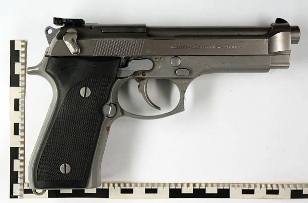 Photo's of mass murderer's weapons Kretsc10