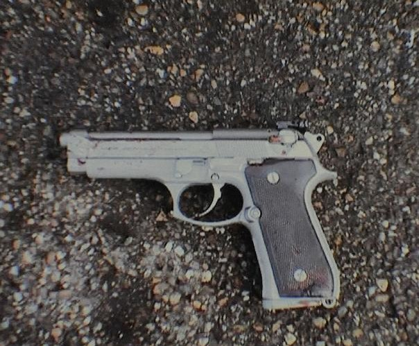 Photo's of mass murderer's weapons Kretsc11