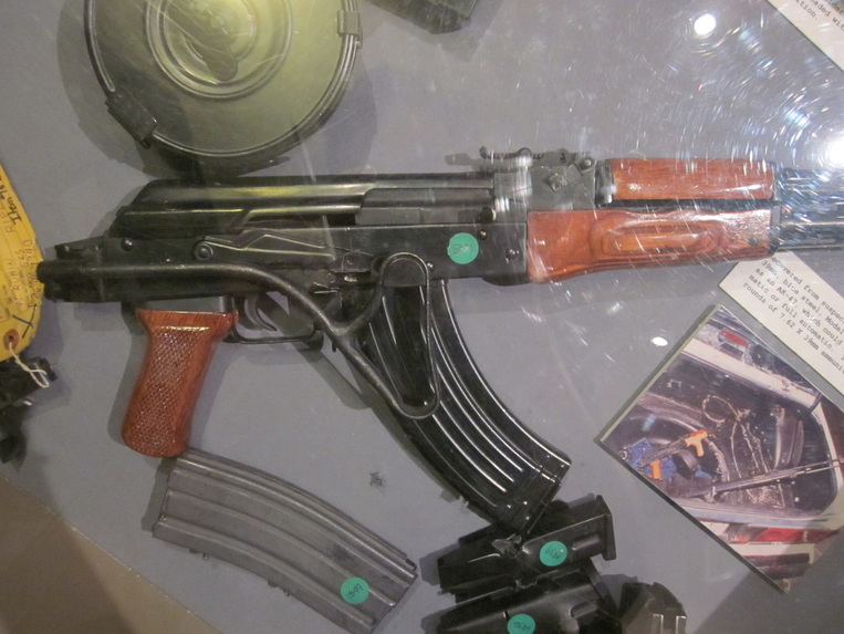 Photo's of mass murderer's weapons - Page 2 Northh14