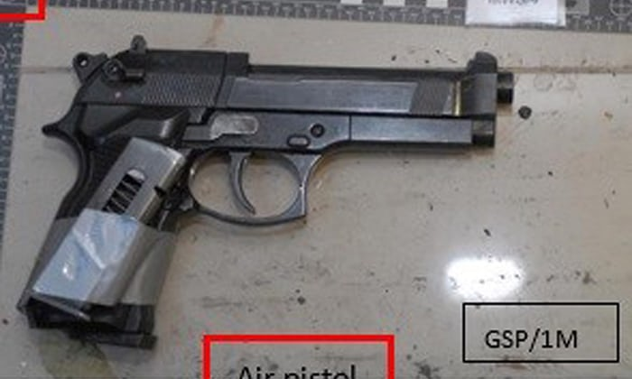 Photo's of mass murderer's weapons - Page 2 Threem12