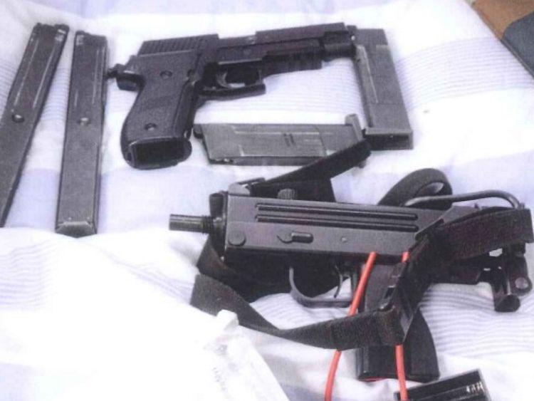 Photo's of mass murderer's weapons - Page 2 Watt410