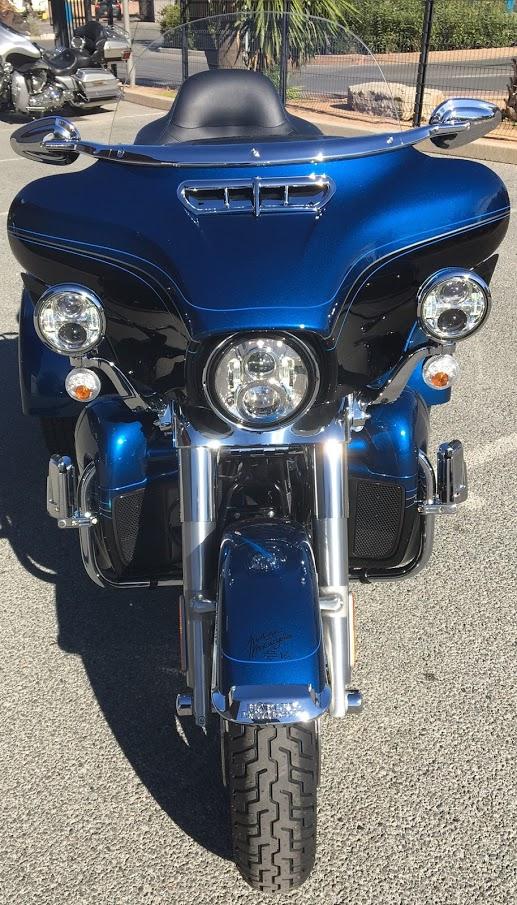 hier j'ai signé mon contrat d'achat d'un trike Harley - Page 6 Img_3122