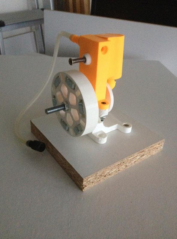 Moteur à air comprimé (monocylindre à piston oscillant) imprimé 3D Img_3911