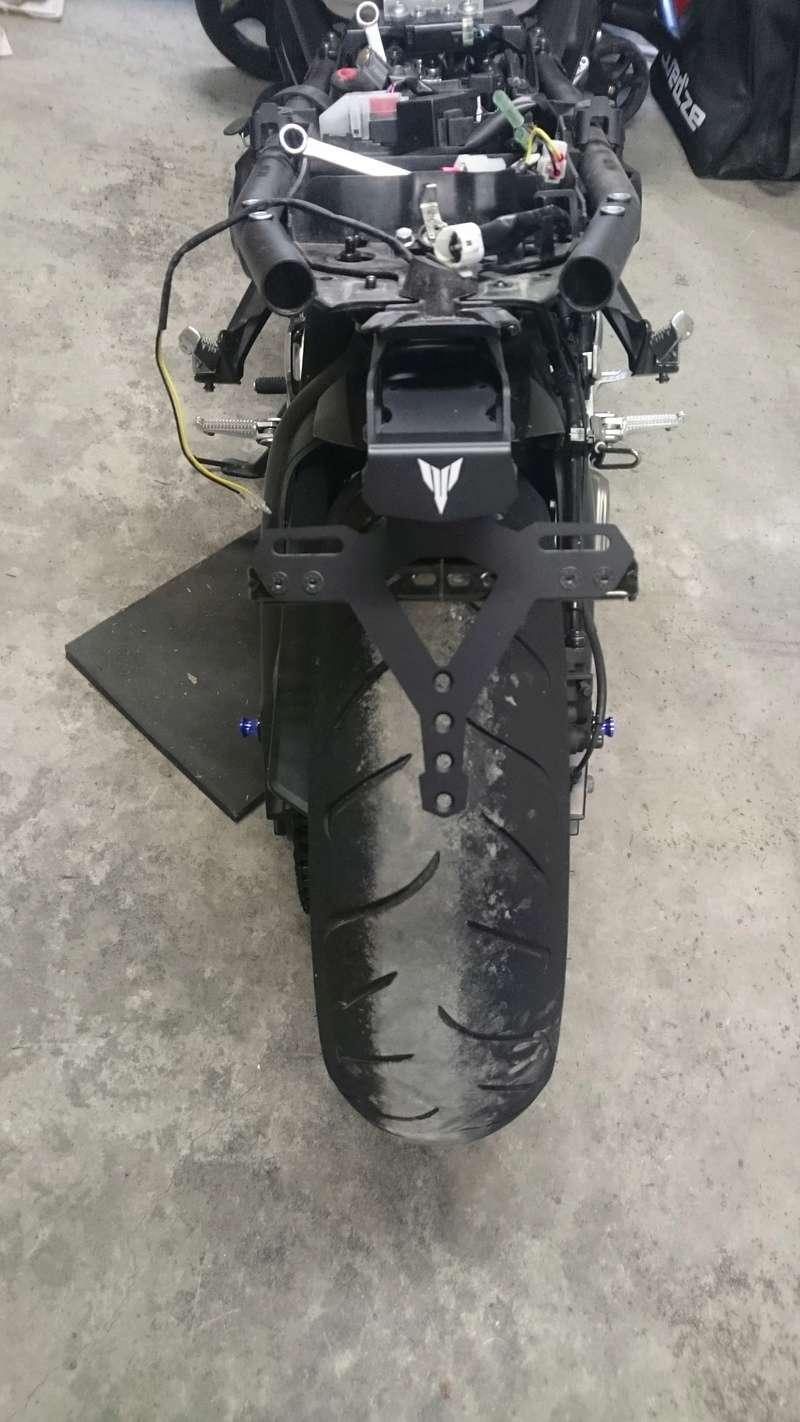 Remontage feux arrière origine MT09 Suppor10
