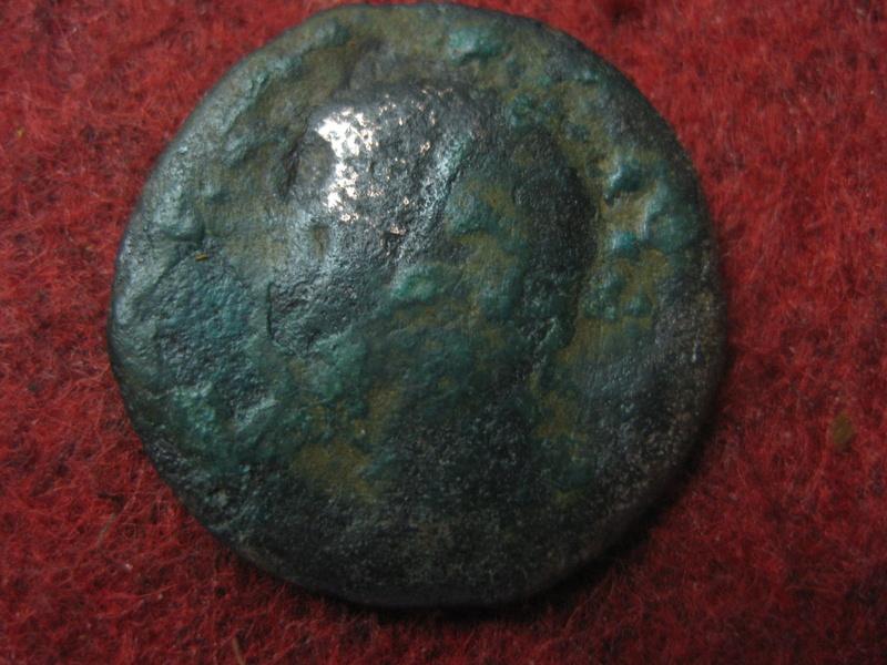 As de Augusto?,reverso S C en letras grandes en el campo.       Img_4759