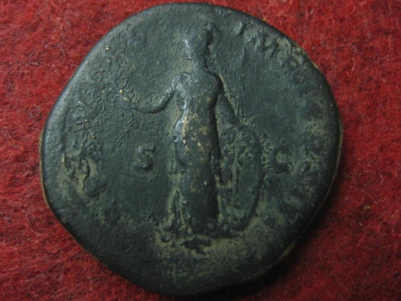 Sestercio de Marco Aurelio. TR P XVIII IMP II COS III /S C. Minerva Img_4761