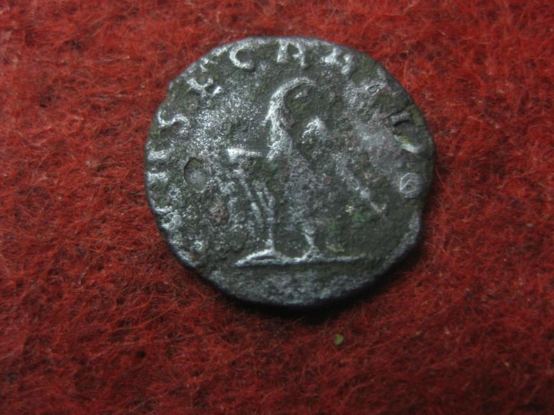 Radiado póstumo de Claudio II. CONSECRATIO. Águila Img_4918