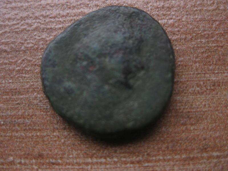 Antoniniano de Claudio II. CONSECRATIO. Altar Img_4921
