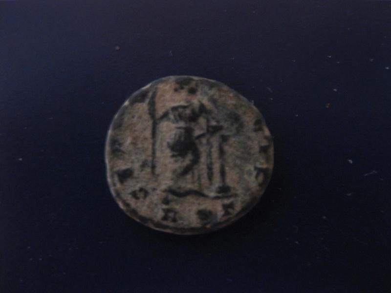 AE4 de Constancio II. SECVRITAS REIP. Roma Img_4923