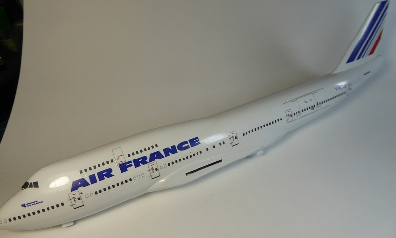 Boeing 747-400, Air France, Hasegawa 1/200. - Page 2 P1060028