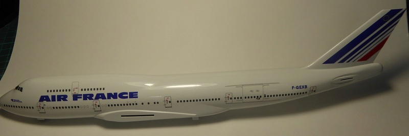 Boeing 747-400, Air France, Hasegawa 1/200. - Page 2 P1060029