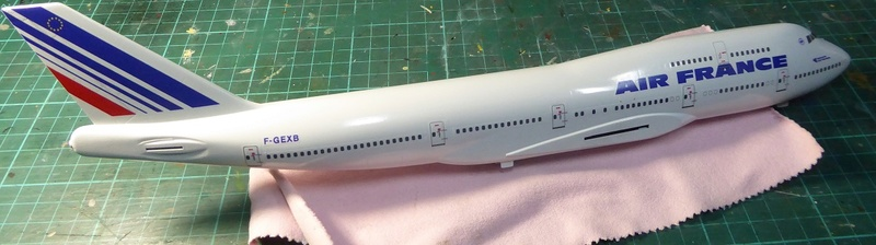 Boeing 747-400, Air France, Hasegawa 1/200. - Page 2 P1060033