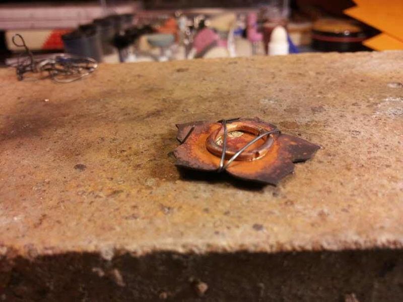1er sertis griffe - WIP d'un pendentif raté fleur en cuivre 23782011