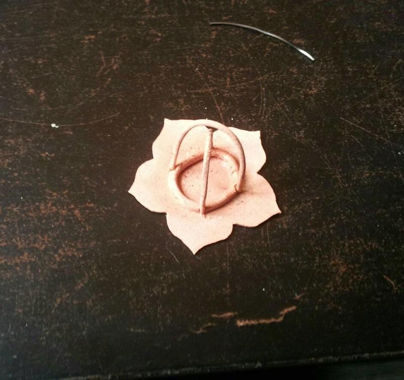 1er sertis griffe - WIP d'un pendentif raté fleur en cuivre 23805411