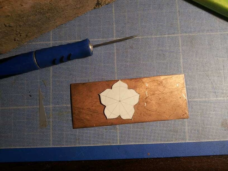 1er sertis griffe - WIP d'un pendentif raté fleur en cuivre 23897811