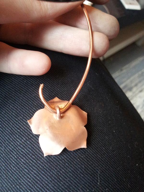 1er sertis griffe - WIP d'un pendentif raté fleur en cuivre Img_2011