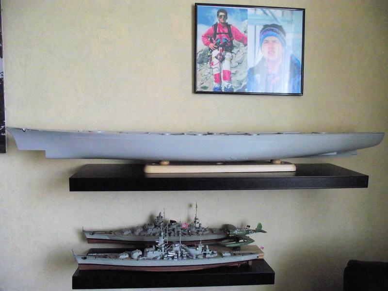 Bismarck 1/200 Trumpeter Bismar13