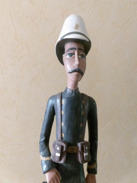 Statuette d'un Tirailleur Sénégalais 100_3212